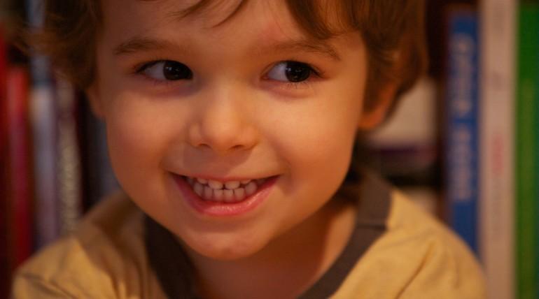 Dentin/enamel adhesives in pediatric dentistry